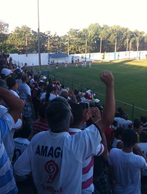 Torcida do Mixto comemora gol de Nonato (Foto: Lucas de Senna/Globoesporte.com/mt)