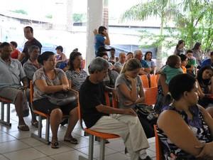 Cerca de 150 pessoas passaram pela UPA em Campo Grande nesta terça-feira (25) (Foto: Tatiane Queiroz/G1 MS)