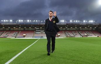 United anuncia demissão de Van Gaal e deixa o caminho livre para Mourinho
