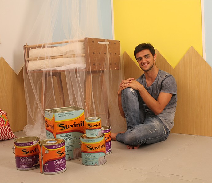 O ator Felipe Simas ficou feliz por fazer tudo sozinho (Foto: Luis Carlinhos)