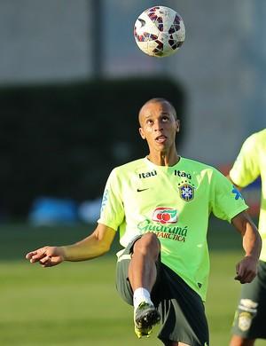 Miranda treino seleção brasileira (Foto: Heuler Andrey)