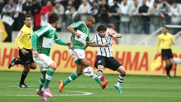 Angel Romero jogo Corinthians x Palmeiras (Foto: Marcos Ribolli / Globoesporte.com)