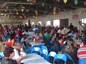 Almoço acontece no Salão Paroquial em Tupi (Foto: Divulgação/Paróquia de São José de Tupi)