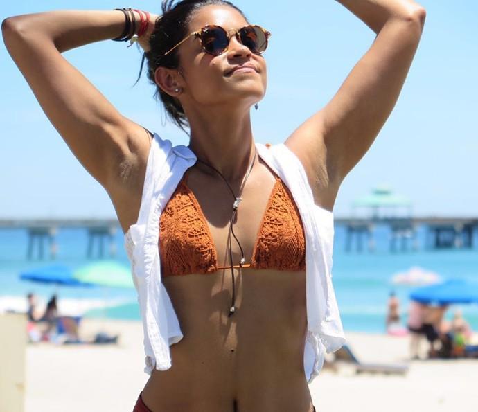 Lucy Alves revela que mantém cuidados com o corpo não só pela beleza (Foto: Jean Dumas/ Divulgação)