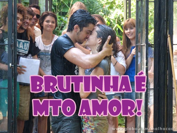 Ôôôôôô Brutinha voltôôô, Brutinha voltôôô...A galera delira!!!! (Foto: Malhação / Tv Globo)