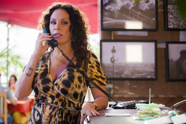 Carolina Ferraz vive personagem trans (Foto:   Guilherme Maia/Divulgação)