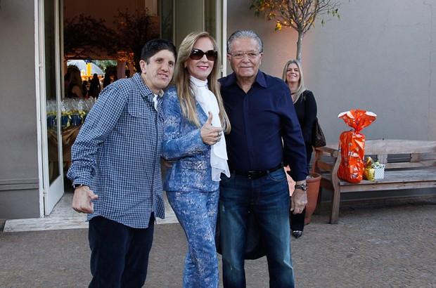 Helô Pinheiro e família (Foto: Manuela Scarpa e Amauri Nehn/Foto Rio News)