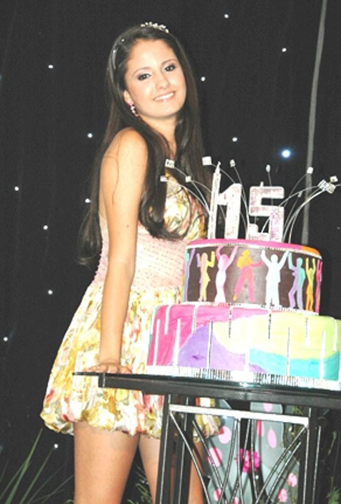 Amanda de Godoi sempre linda e arrasando em sua festa de 15 anos (Foto: Arquivo Pessoal)