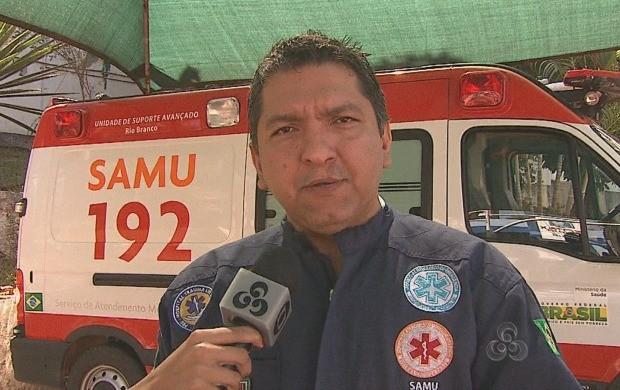 Enfermeiro do Samu explicou se algumas soluções caseiras são indicadas para o tratamento de queimaduras (Foto: Acre TV)
