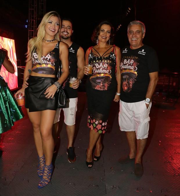 Raissa Naves,Hernrique ,Mauro e Patricia Naves  (Foto: Cláudio Augusto/Brazil News)