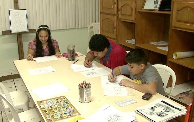 Curso de pintura e desenho é um dos mais procurados no Sesc-AC (Foto: Acre TV)