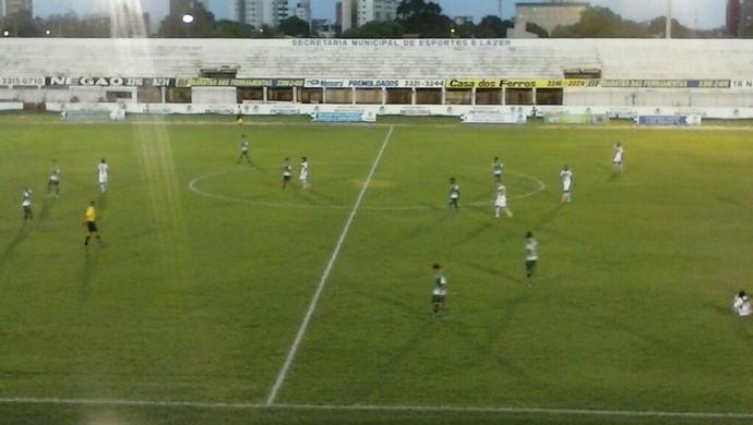 Baraúnas x Alecrim - Estádio Nogueirão (Foto: Ivanúcia Lopes/Inter TV Costa Branca)