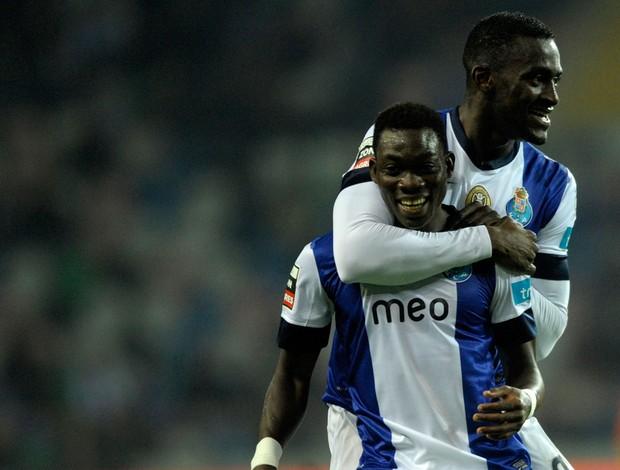 Christian Atsu e Jackson Martinez gol Porto (Foto: AFP)