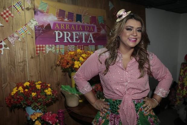 Preta Gil em evento junino na Zona Portuária do Rio (Foto: Isac Luz/EGO)