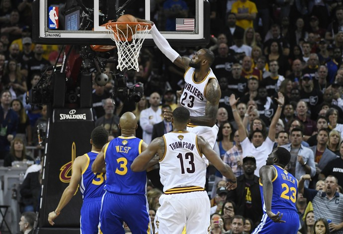 LeBron James; Cleveland Cavaliers x Golden State Warriors; jogo 4 final NBA (Foto: Reuters)