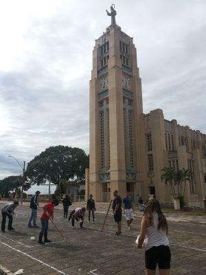 Comunidade participa da preparação do evento  (Foto: Divulgação/ Pastoral da Comunicação Vera Cruz )