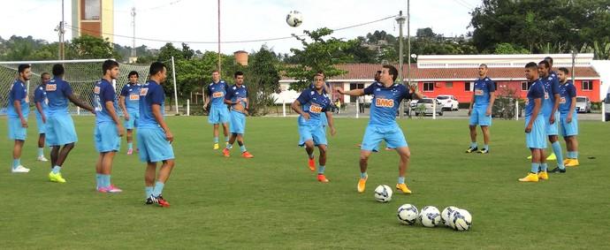 Treino Cruzeiro (Foto: Tarcísio Neto)