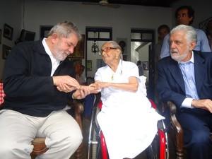 Lula visita Dona Canô na Bahia (Foto: Ingrid Machado/ G1)