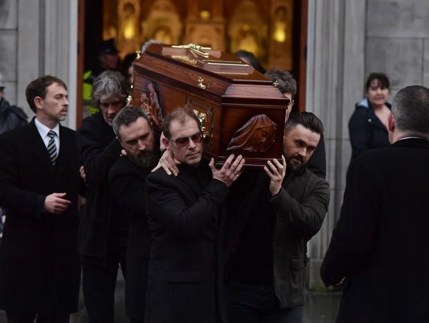 Família e fãs se despedem de Dolores O'Riordan (Foto: Getty)