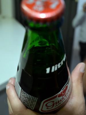 Plástico em garrrafa de refrigerante gera indenização em Piracicaba, SP (Foto: Thomaz Fernandes/G1)