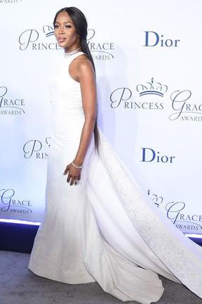Naomi Campbell em evento de gala em Nova York, nos Estados Unidos (Foto: Jamie McCarthy/ Getty Images/ AFP)