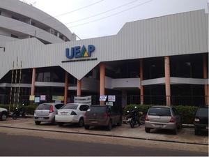 Reivindicações são para campus II da Ueap (Foto: Fabiana Figueiredo/G1)