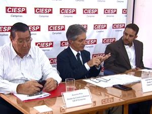 O diretor do Ciesp Campinas, José Nunes Filho, ao centro (Foto: Reprodução EPTV)