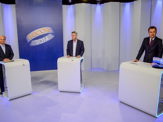 Os candidatos Jofran Frejat (PR) e Rodrigo Rollemberg (PSB), que disputam o governo do Distrito Federal, durante debate em Brasília  (Foto: G1 DF)