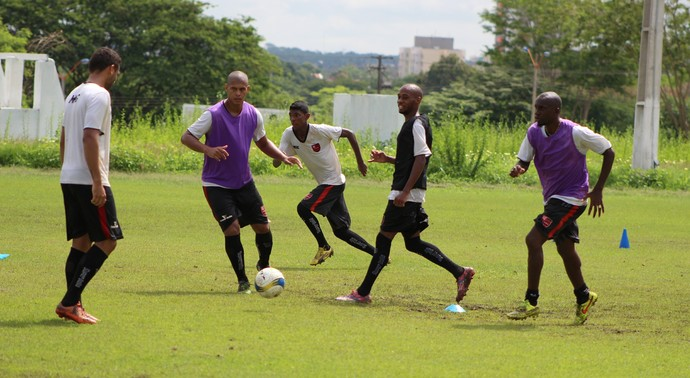 treino Flamengo-PI (Foto: Abdias Bideh/GloboEsporte.com)