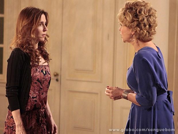 Irene e Bárbara ficam cara a cara! (Foto: Sangue Bom/TV Globo)