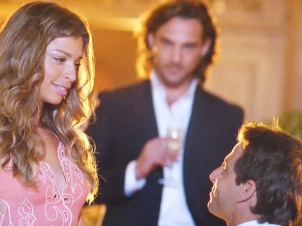 Cassiano pede Ester em casamento (Foto: Flor do Caribe / TV Globo)