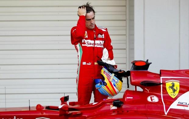 Fernando Alonso saiu decepcionado do treino classificatório para o GP do Japão (Foto: EFE)