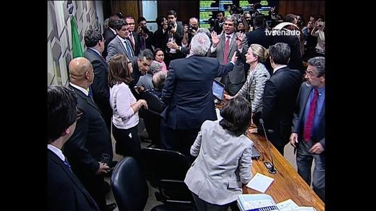 VÍDEO mostra dedo na cara, gritos e empurrões no Senado