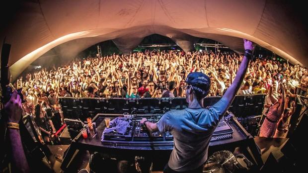 Chapeleiro  um dos DJs que promete empolgar o pblico do Tomorrowland Brasil 2016 (Foto: Lucas Alves / Reproduo / Facebook)