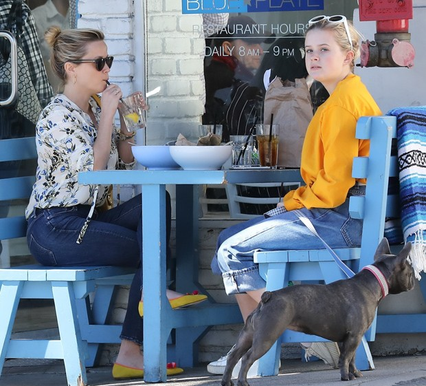 Reese Witherspoon e Ava Phillippe  (Foto: AKM-GSI)