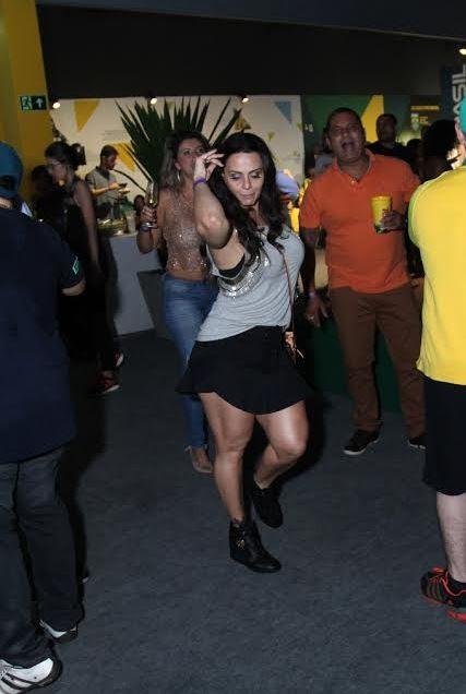Viviane Araujo (Foto: Anderson Borde e Francisco Silva/Ag News)