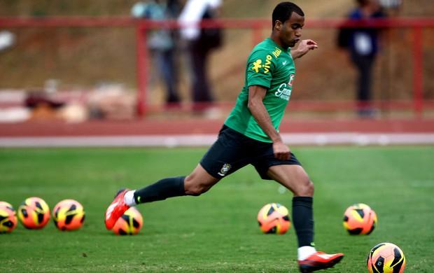 lucas brasil treino (Foto: Mowa Press)