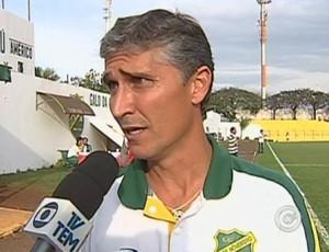 Doriva Bueno, técnico do XV de Jaú (Foto: Reprodução / TV TEM)
