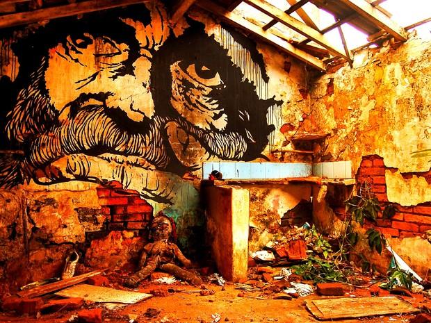 Artista retrata moradores de rua em casas abandonadas São Carlos (Foto: Alfredo Maffei/Arquivo Pessoal)