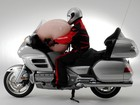 Recall de 'airbags mortais' atinge moto Honda Gold Wing no Brasil