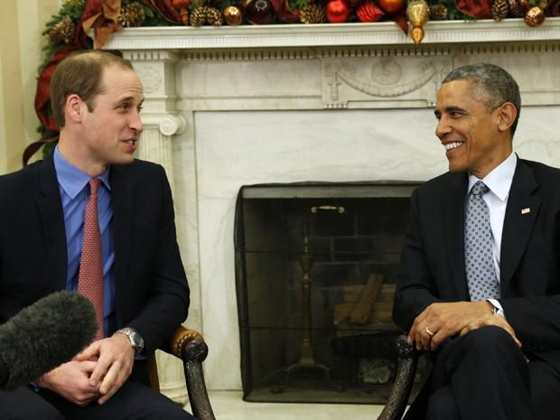 Barack Obama recebe o príncipe William no Salão Oval da Casa Branca, na segunda (8) (Foto: Reuters/Kevin Lamarque)