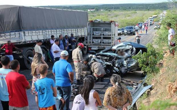 Acidente aconteceu próximo à Paraú (Foto: Marcelino Neto)