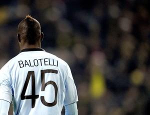 Mario Balotelli na partida (Foto: EFE)