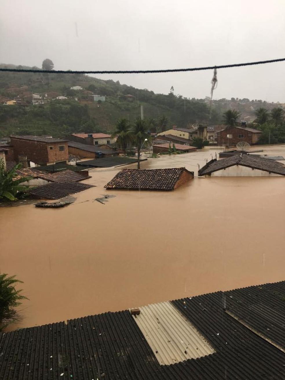 Cheia em Barra de Guabiraba foi uma das maiores no Estado (Foto: Mário Flávio/G1 )