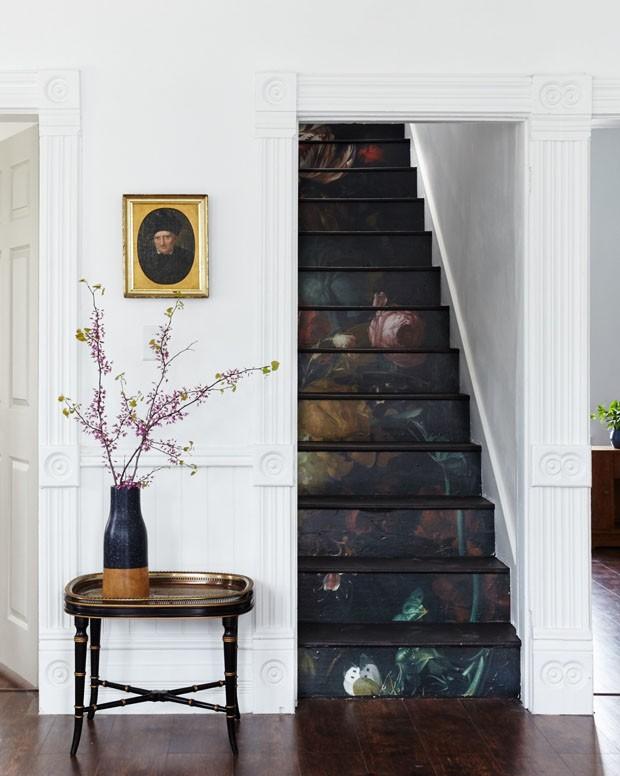 Décor do dia: escada com estampa de flores (Foto:  )