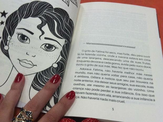 Livro tem 120 páginas e foi lançado no fim de junho deste ano (Foto: Ana Rapha Nunes/Arquivo pessoal)