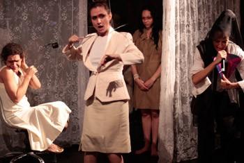"""Cena da peça """"Orfeu Mestiço"""", do Núcleo Bartolomeu de Depoimentos (Foto: Tide Giuliano)"""