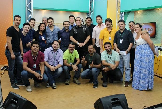 Equipe do 'Paneiro' comemora resultado das gravações (Foto: Katiúscia Monteiro/ Rede Amazônica)