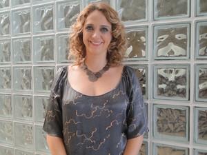 Ivana está de volta? Letícia Isnard é uma das convidadas do programa de hoje (Foto: Encontro com Fátima Bernardes/ TV Globo)