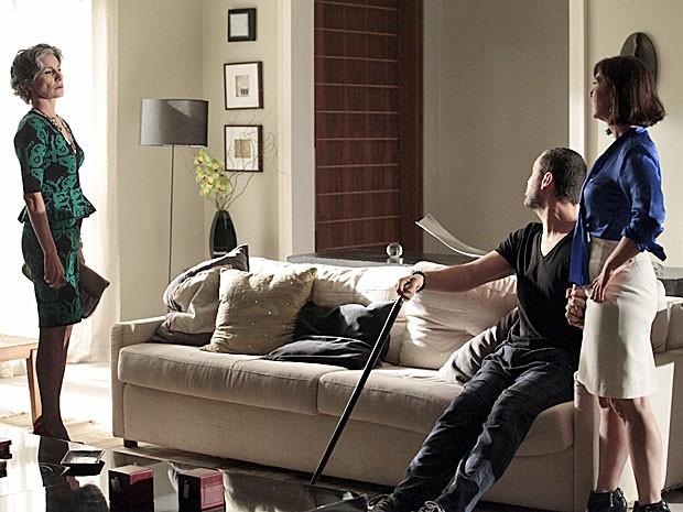 Melissa ainda não suporta ver Regina com Fernando (Foto: Amor Eterno Amor/TV Globo)